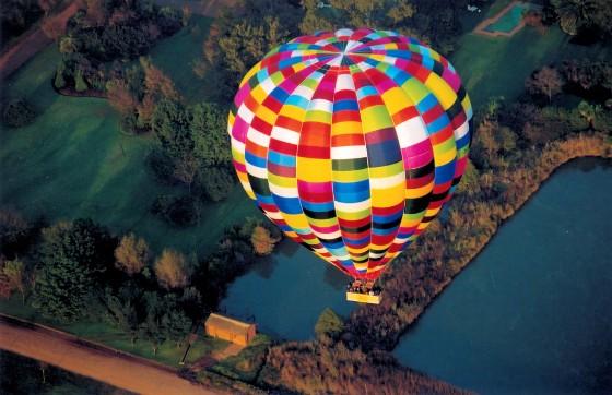 Bill Harrop hosts the SA Hot Air Balloon champs